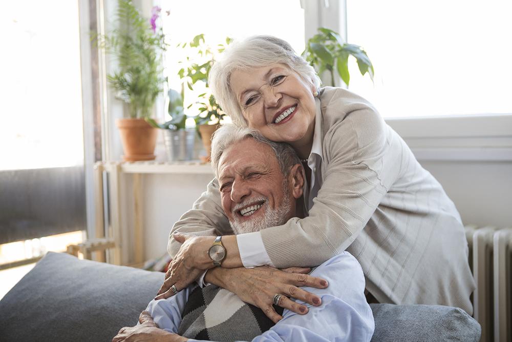 Bienestar integral del adulto mayor: ¿cómo lograr que se sientan bien por dentro y por fuera?